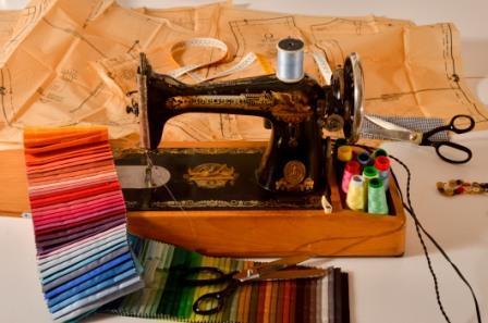 La máquina de coser: herramienta fundamental en costura y confección.