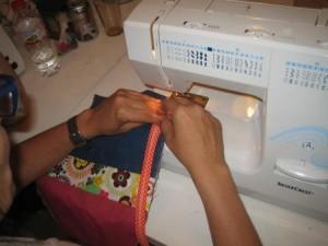 como usar la maquina de coser