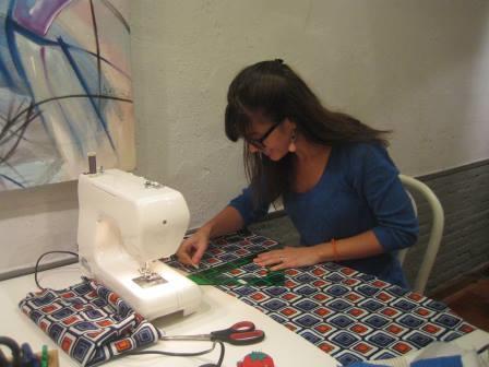 Tijeras y agujas de máquina de coser, descripciones de las mismas
